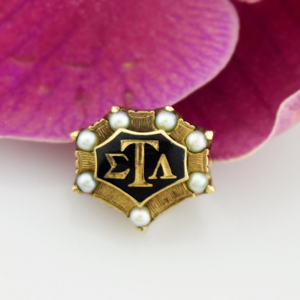 10k Yellow Gold Antique Enamel & Pearl Sigma Tau Alpha Fraternity Pin/Badge