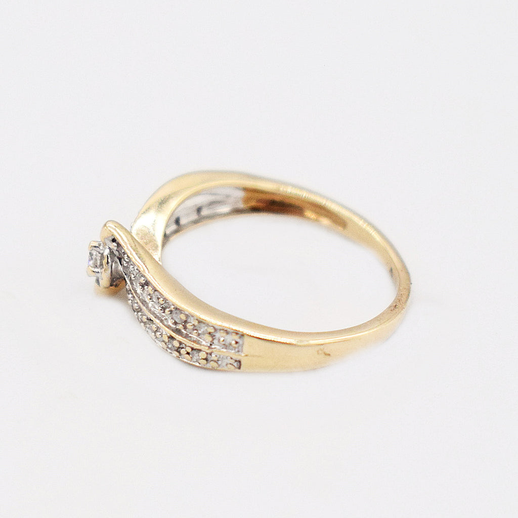 10k Yellow Gold Estate Diamond 0.14 tcw Engagement Ring Size 5