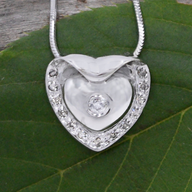 "14k White Gold Estate Snake Link Diamond Heart Necklace 16"" Long"