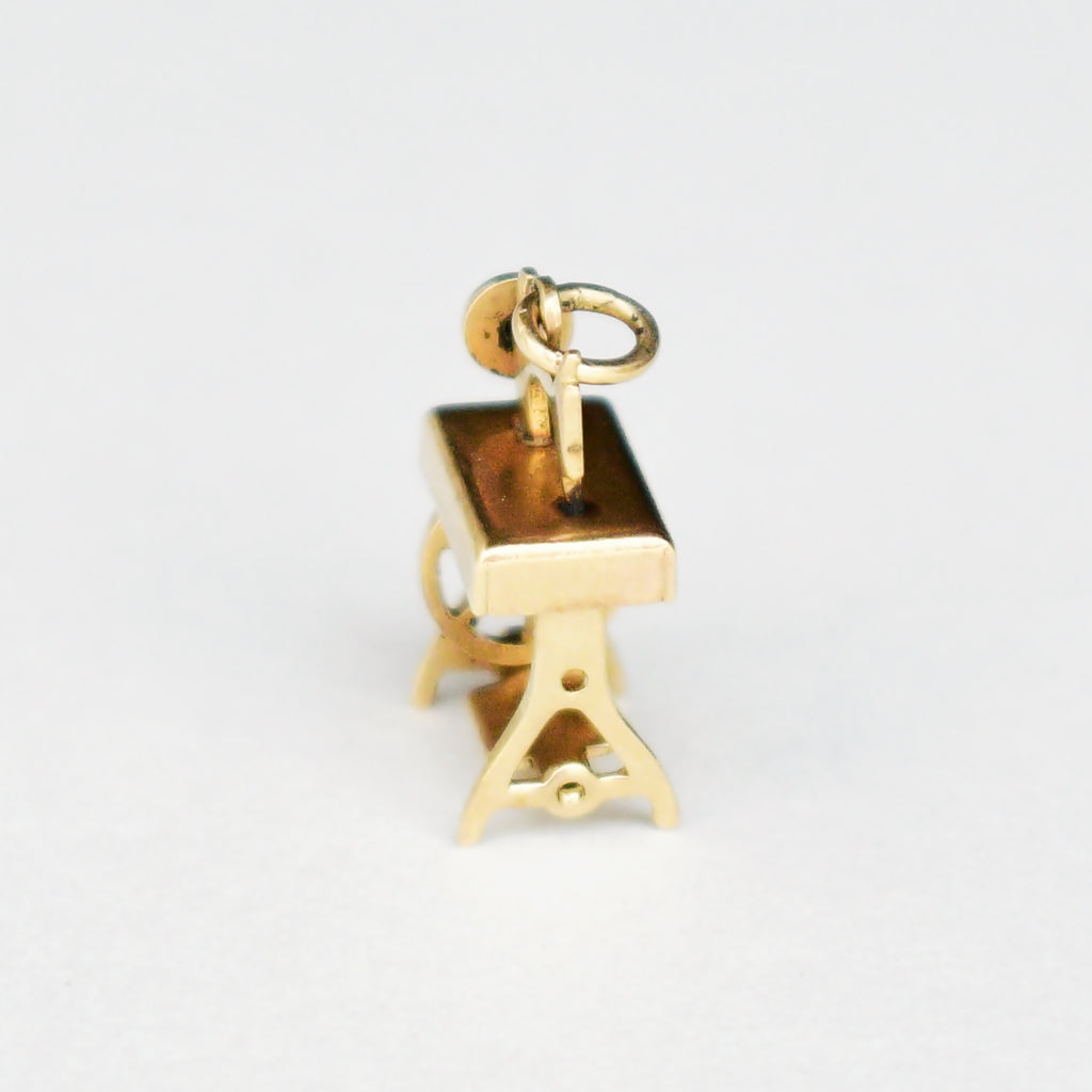 14k Yellow Gold Estate Articulated Treadle Sewing Machine Chrm/Pendant