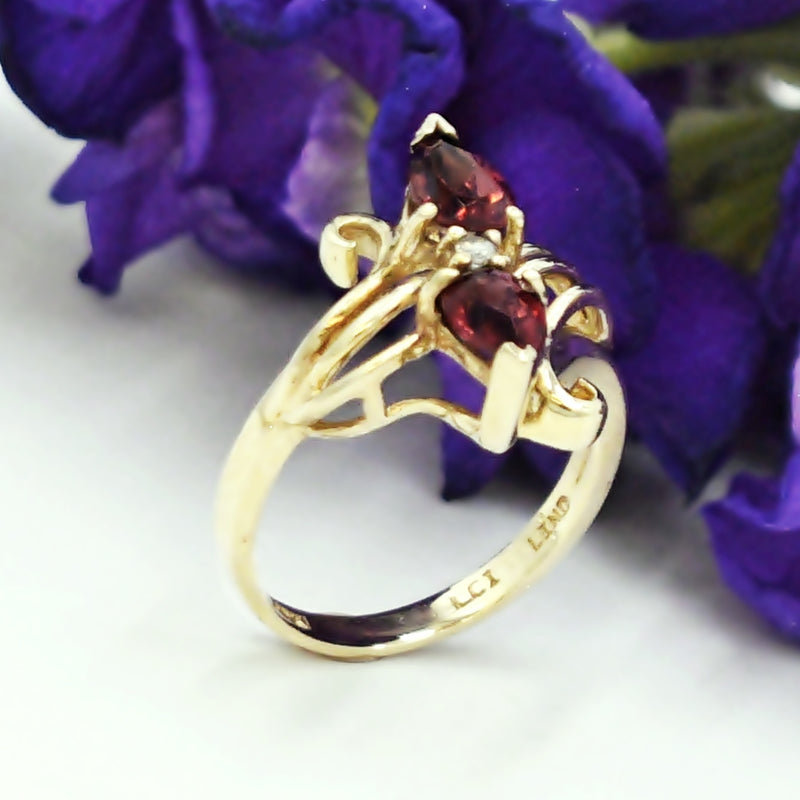 10k Yellow Gold Estate Open Swirl Garnet & Diamond Ring Size 4