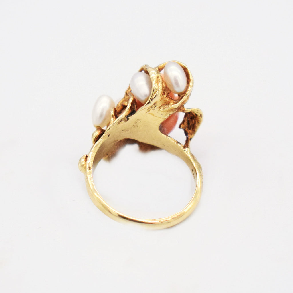 14k Yellow Gold Vintage Abstract Carved Coral Pearl Ring Size 6.25