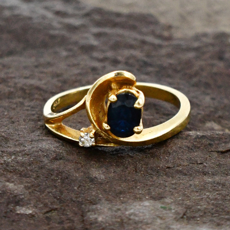 14k Yellow Gold Estate Diamond & Blue Spinel Gemstone Ring Size 6