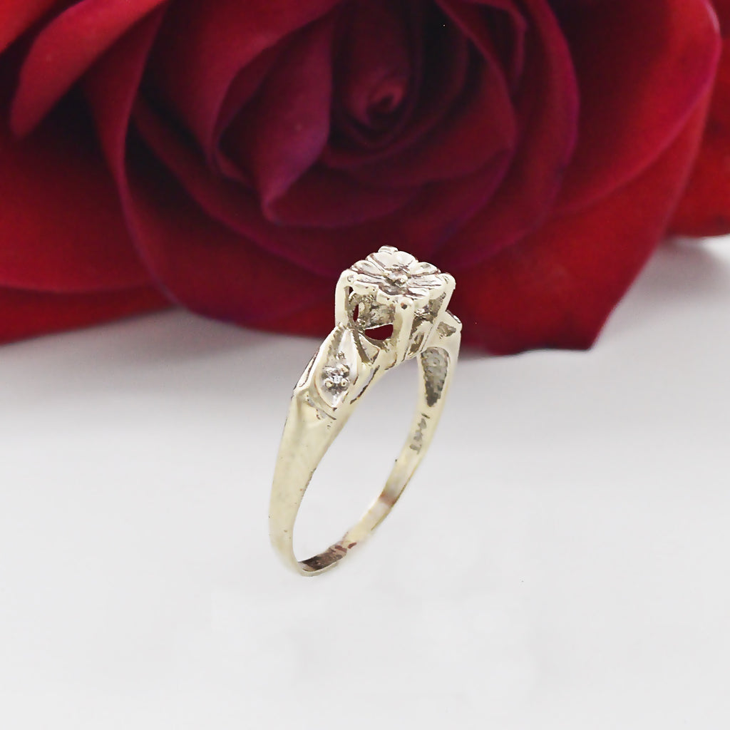 14k WG Antique Diamond Flower Motif Engagement Ring Size 6.75