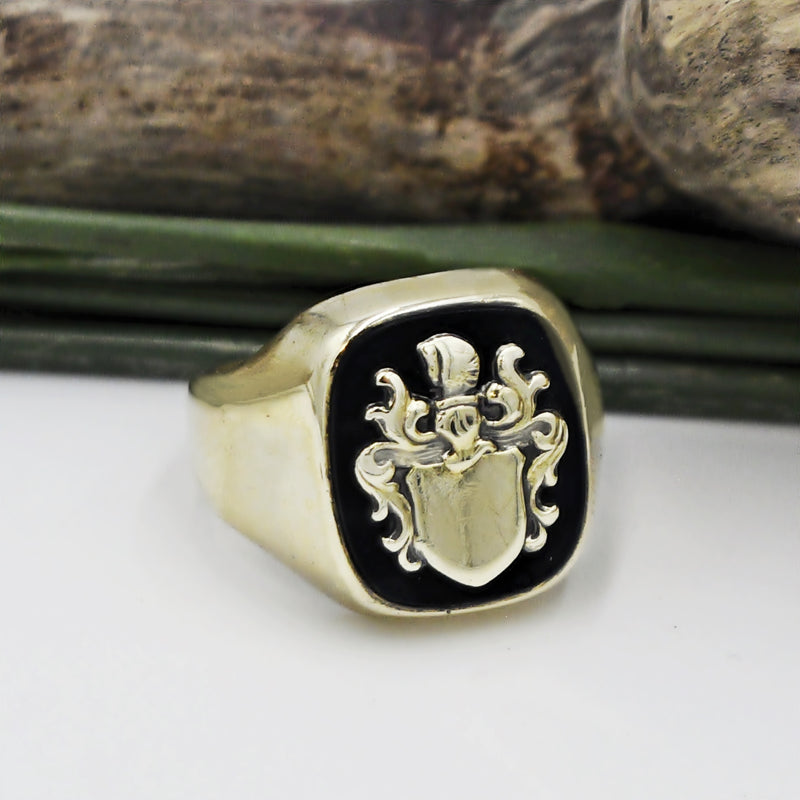 8k Yellow Gold Vntage Black Onyx Gemstone Family Crest Ring Size 10.25