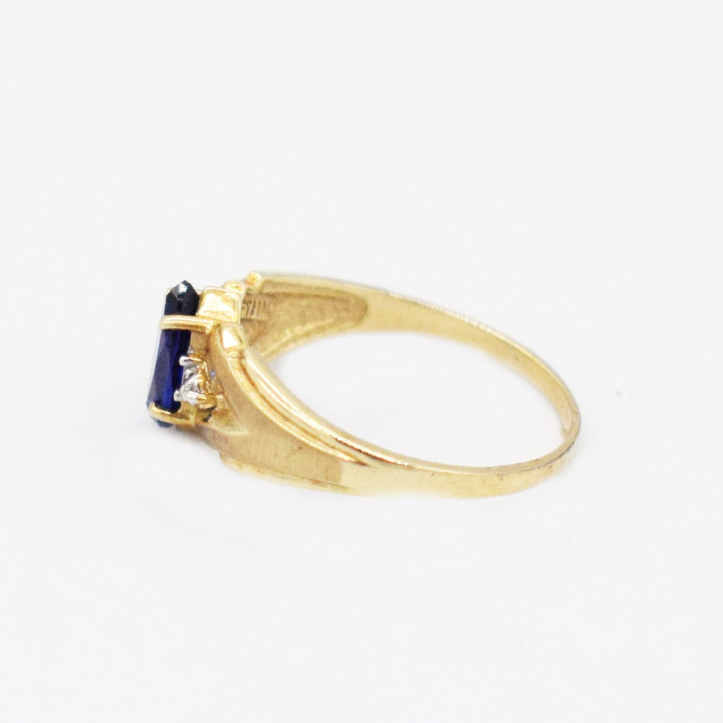 10k Yellow Gold Textured Sapphire & Diamond Ring Size 5.75