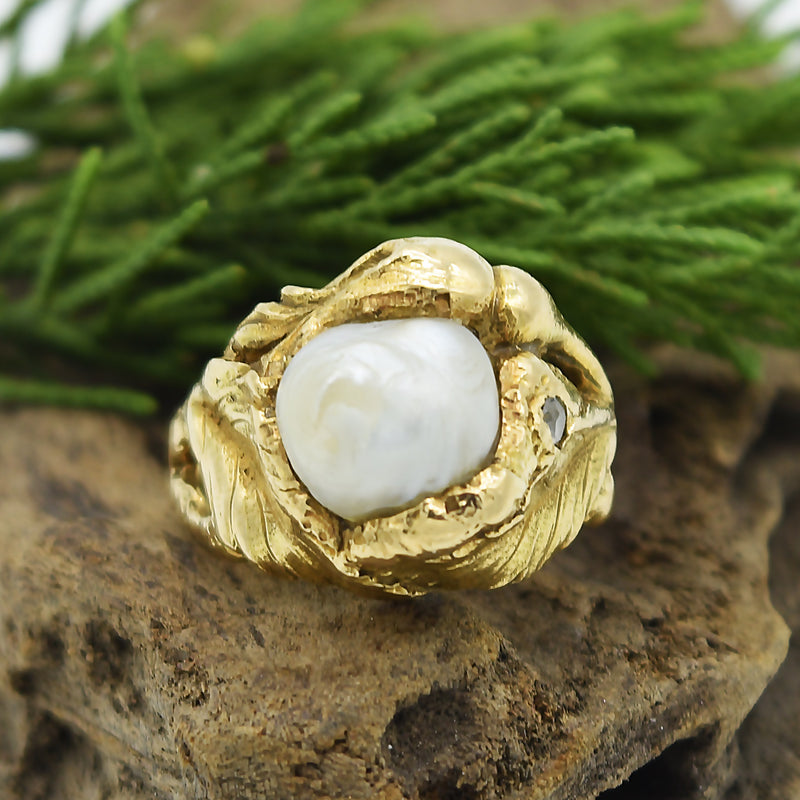 14k YG Vintage Textured Abstract Pearl & Diamond Ring Size 7.25