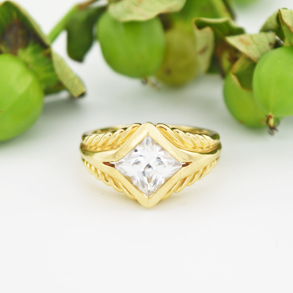 14k Yellow Gold Estate Textured CZ Rhombus Shape Ring Size 7