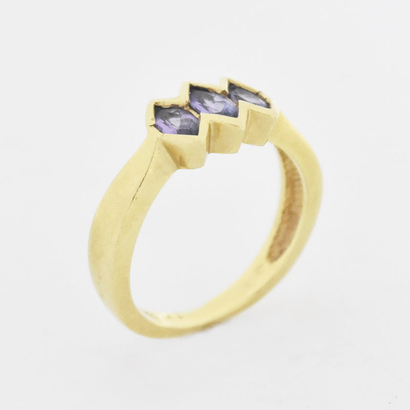 14k Yellow Gold Estate 3 Purple Stone Band/Ring Size 7