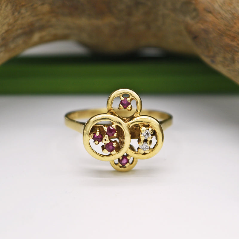 10k Yellow Gold Estate 4 Circle Diamond & Ruby Ring Size 8