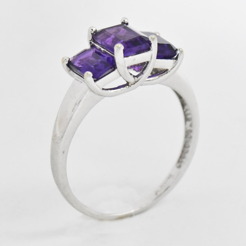 10k White Gold Estate 3 Stone Amethyst Band/Ring Size 7.5