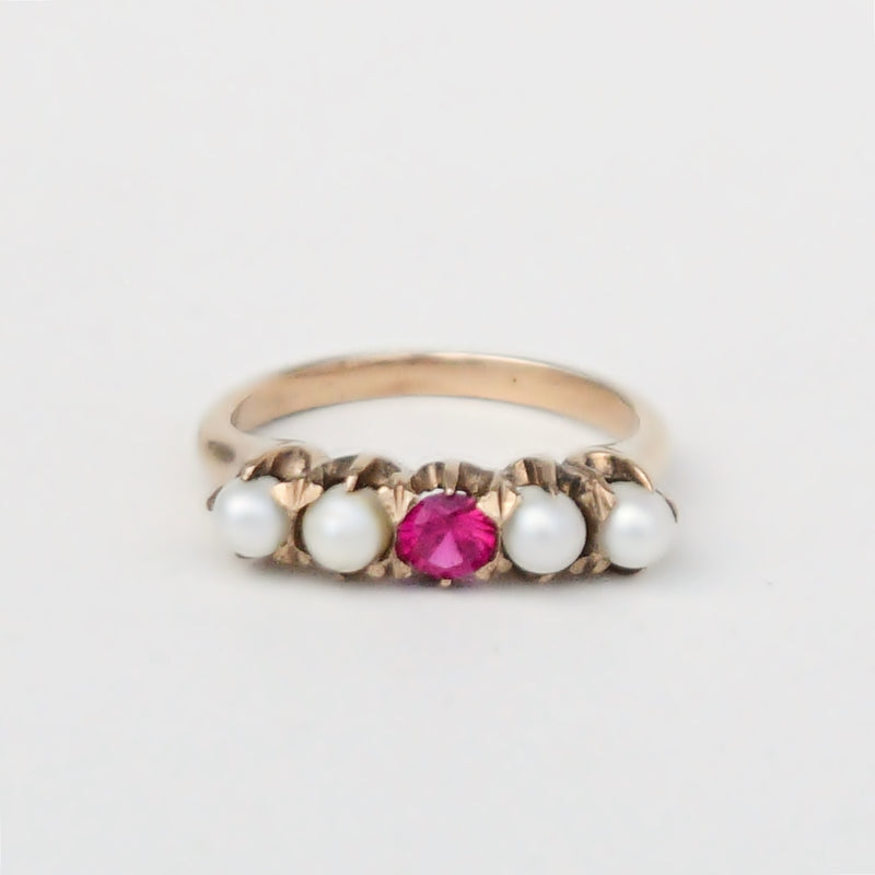 10k Yellow Gold Vintage Ruby & Pearl Gemstone Band/Ring Size 5.75