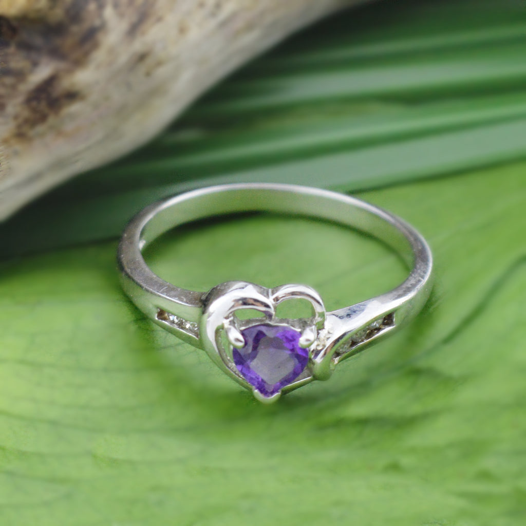 10k White Gold Estate Heart Shaped Amethyst & Diamond Multistone Ring Size 7