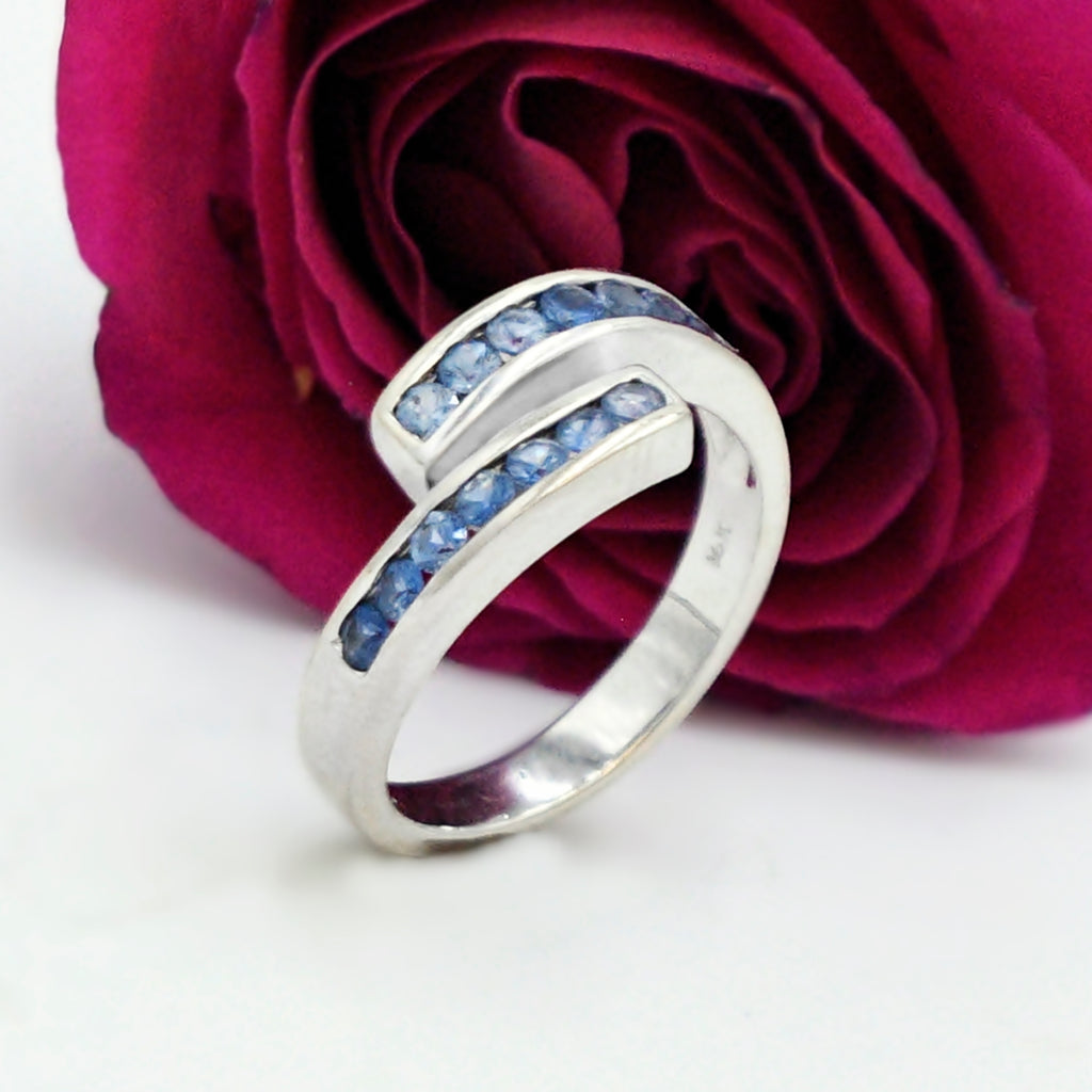 14k White Gold Estate Light Blue Sapphire Wrap Ring Size 8.5