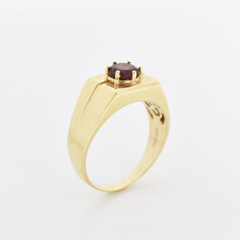 14k Yellow Gold Vintage Textured Garnet Solitaire Ring Size 12.5