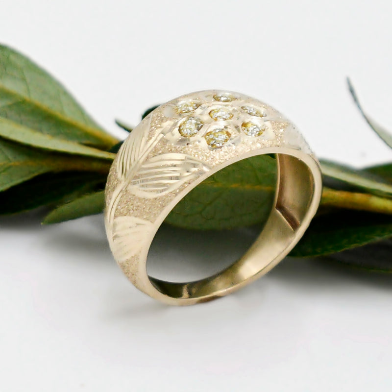 10k Yellow Gold Diamond Cut Flower & Leaf Gemstone Ring Size 9.75