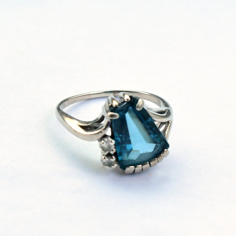 10k White Gold Estate Blue Topaz & White Spinel Gemstone Ring Sz 8.25