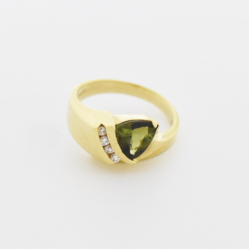 14k YG Estate Modern Style Green Tourmaline & Diamond Ring Size 6.25