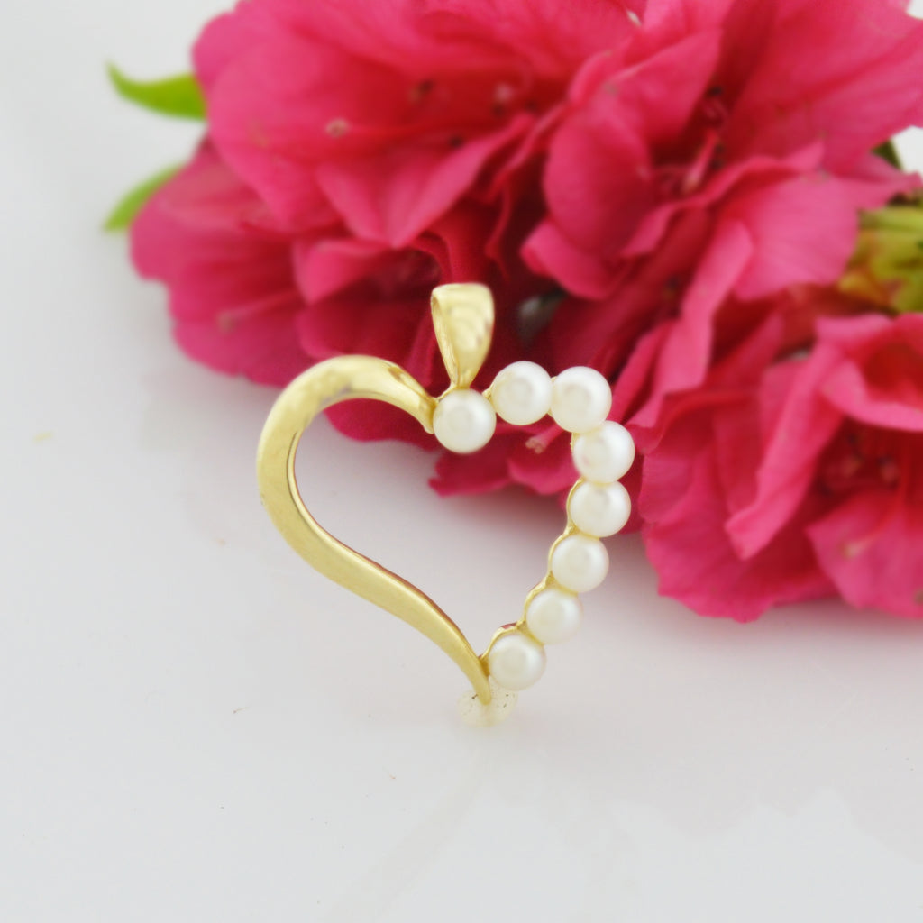 14k Yellow Gold Estate Heart Shaped 3.6 mm Pearl Love Heart Pendant