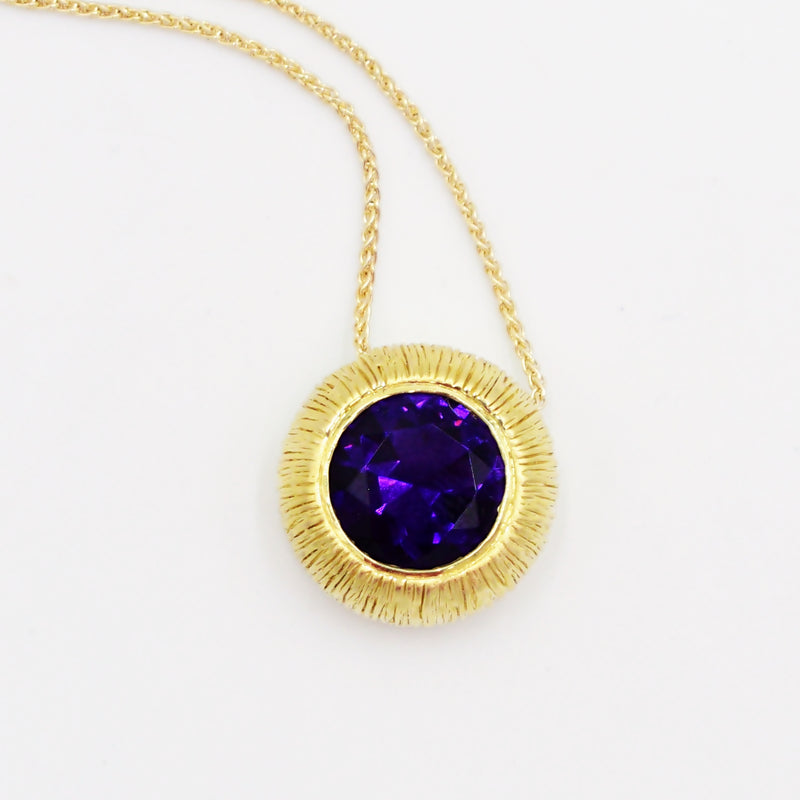 18k Yellow Gold Estate Modern Textured Circle Amethyst Necklace 18""