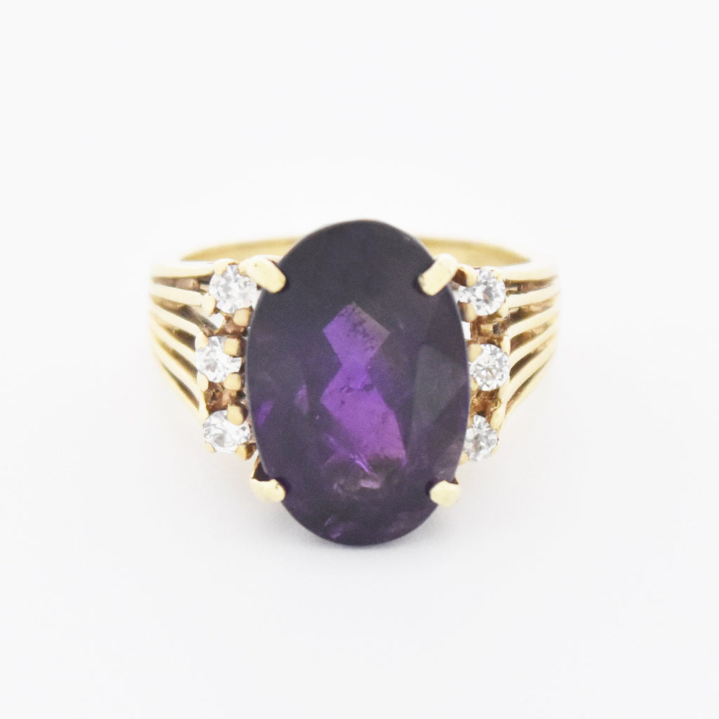 10k Yellow Gold Estate Textured Oval Amethyst & CZ Ring Size 7.25
