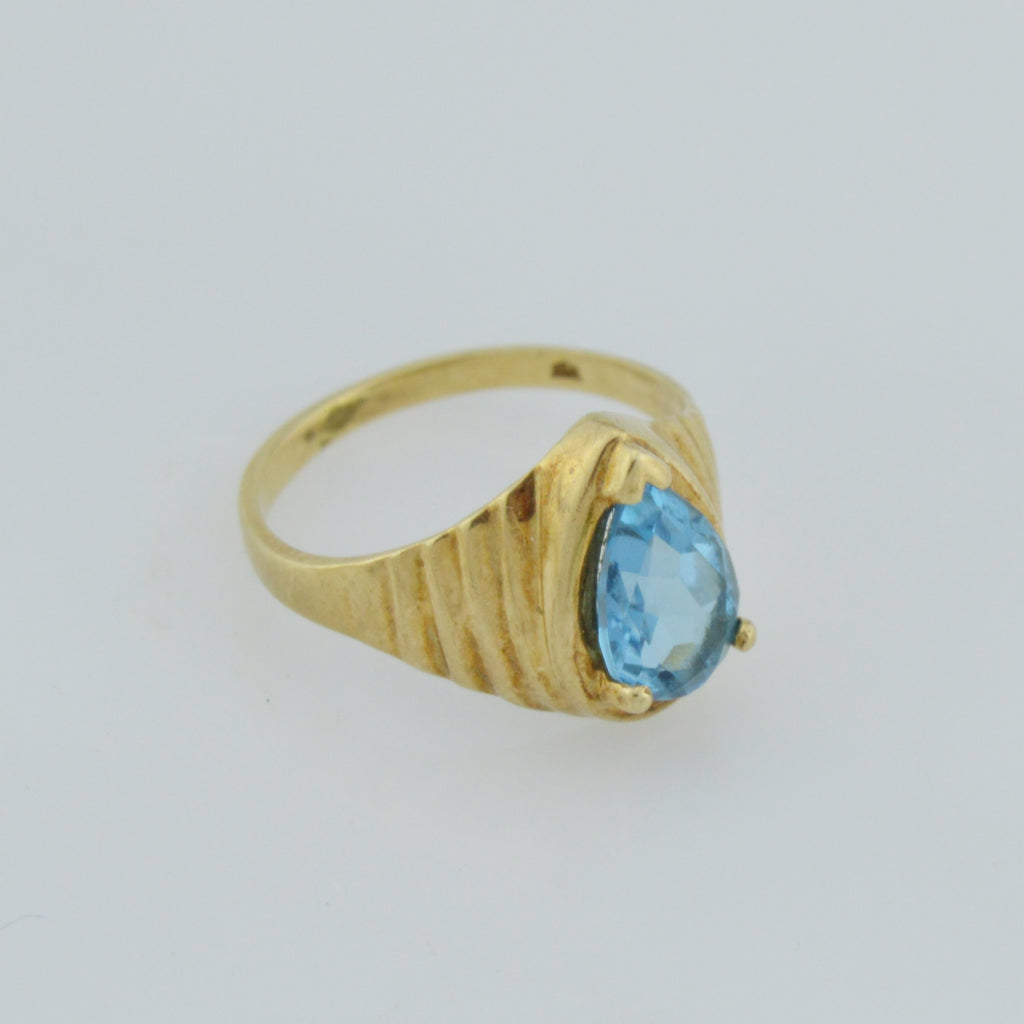 10k Yellow Gold Estate Blue Topaz Solitaire Ring Size 5.25