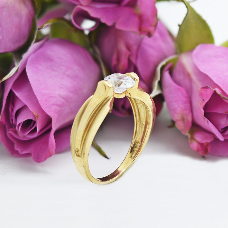 10k Yellow Gold Estate Textured CZ Solitaire Ring Size 7