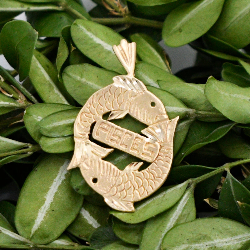 14k Yellow Gold Estate Carved PISCES Zodiac/Horoscope Fish Pendant