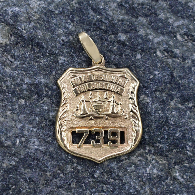 14k Yellow Gold Police Department Badge Philadelphia 739 Pendant