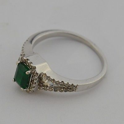 14k White Gold Estate Emerald & Diamond Ring Size 7.25