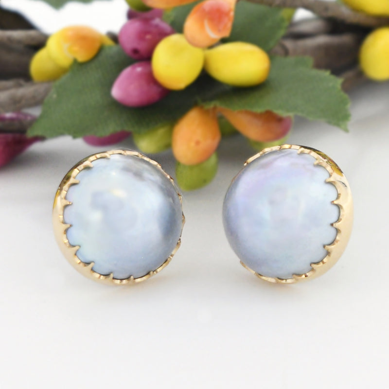 14k Yellow Gold Estate Blueish Gray Mabel Pearl Post Earrings