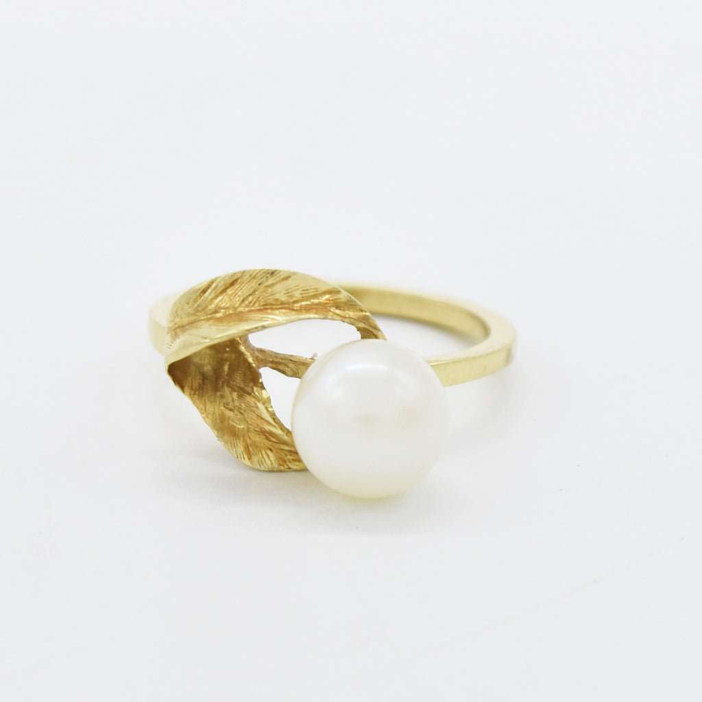14k Yellow Gold Estate Textured Leaf Swirl 8 mm Pearl Ring Size 6