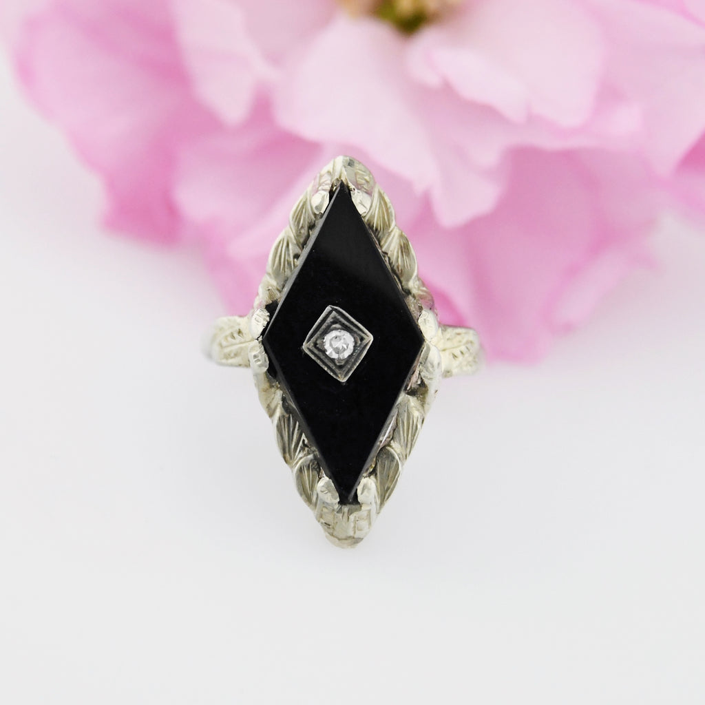 18k White Gold Textured Antique Diamond & Onyx Ring Size 3.25