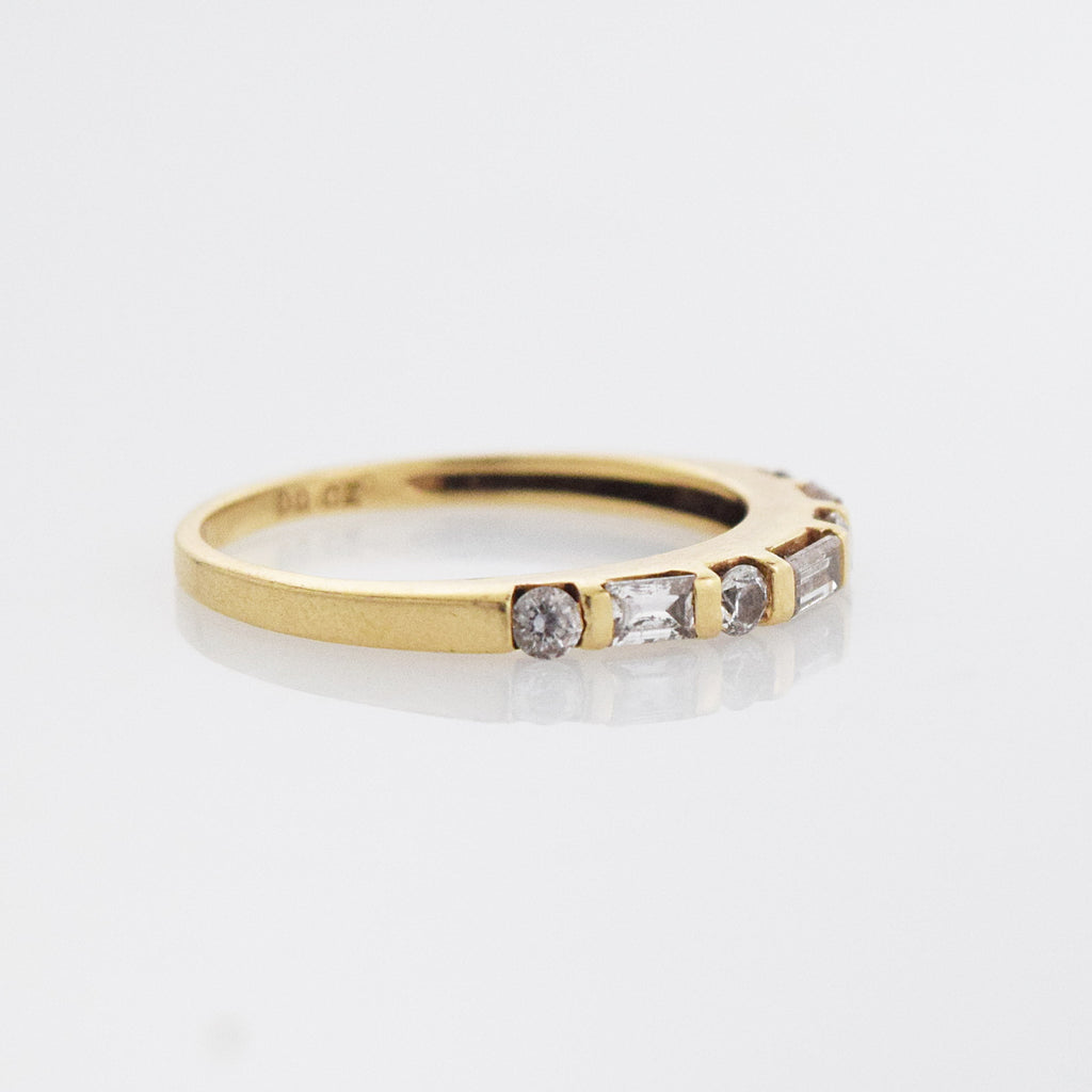 14k Yellow Gold Estate CZ Wedding Band/Ring Size 7.25