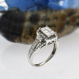 10k White Gold Estate Open Band Diamond 1.29 tcw Cluster Ring Size 8.75