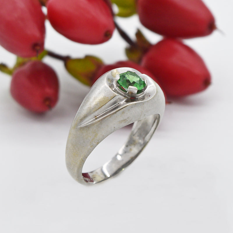 14k White Gold Estate Swirl Design Emerald Ring Size 7.5