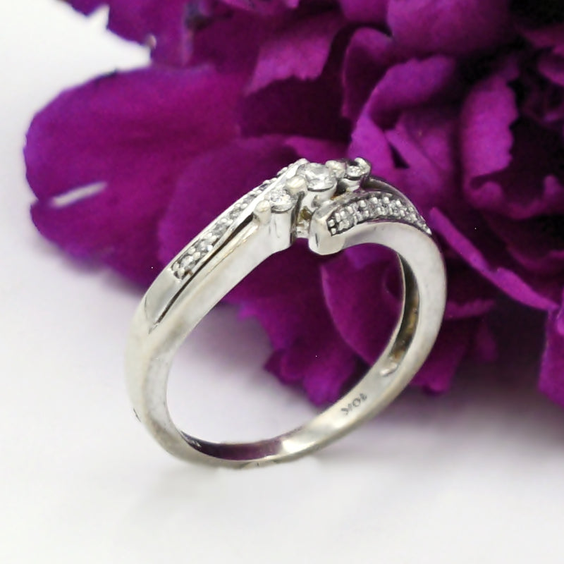 10k White Gold Estate Diamond Wrap Ring Size 7