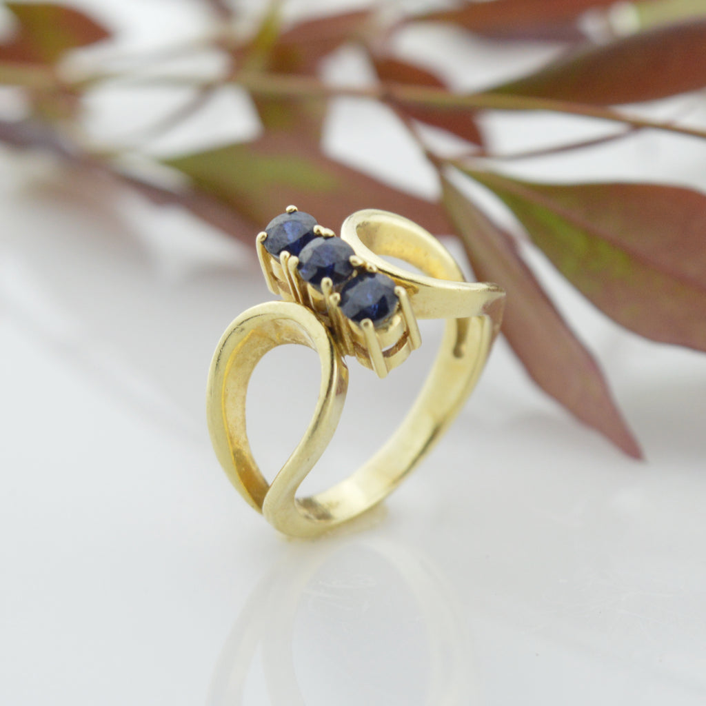 14k Yellow Gold Estate Three Stone Sapphire Ring Size 5.25