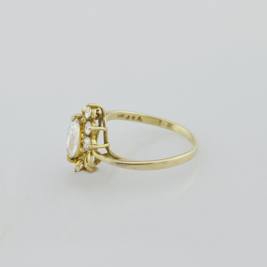10k Yellow Gold Estate White Gemstone Fancy Ring Size 7