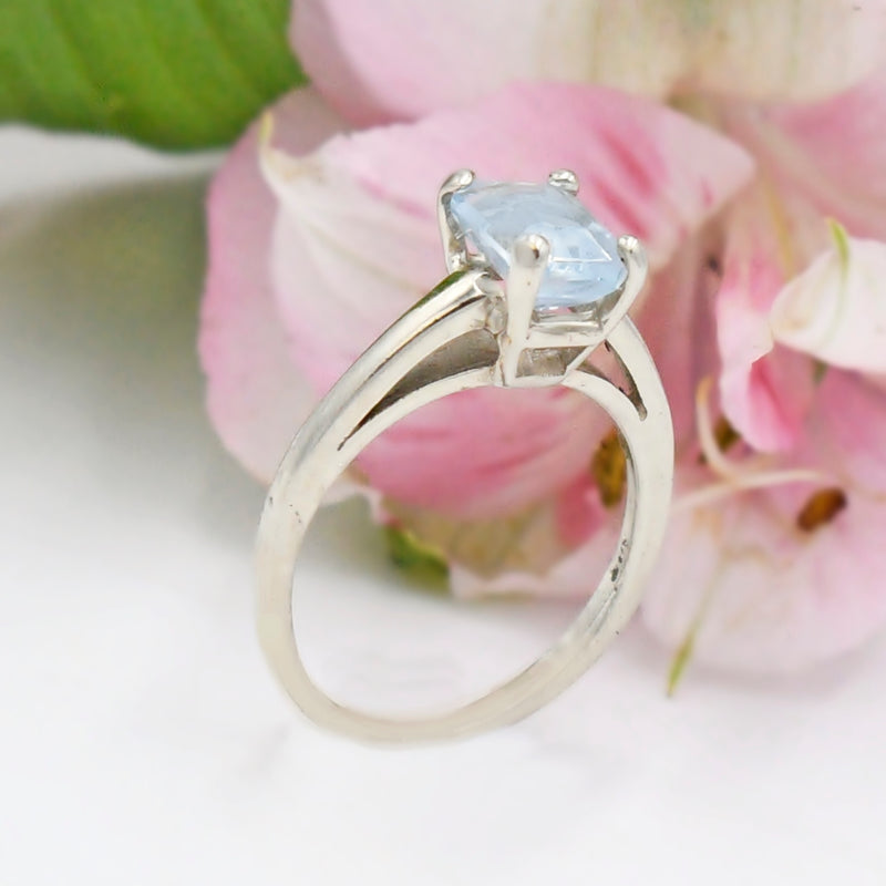14k White Gold Estate Aquamarine Solitaire Ring Size 5.75
