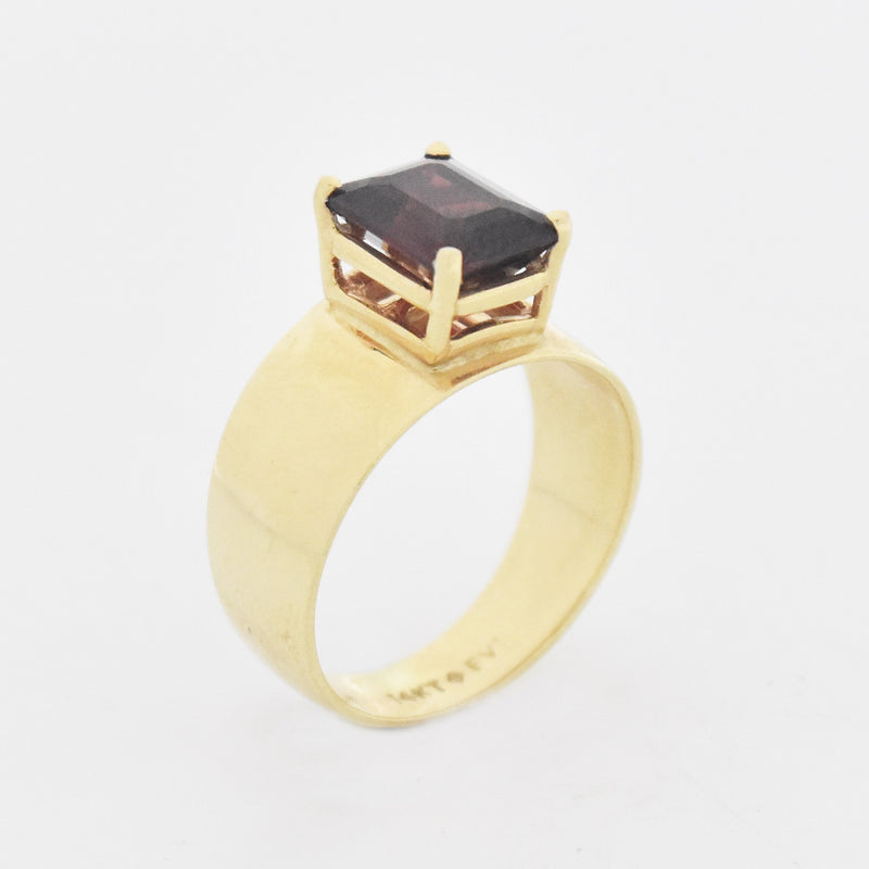 14k Yellow Gold Vintage Garnet Wide Band/Ring Size 7