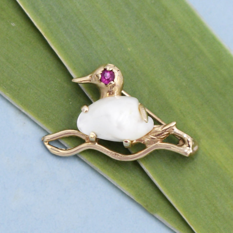 14k Yellow Gold Estate Mabel Pearl Ruby Eye Bird Animal Pin/Brooch