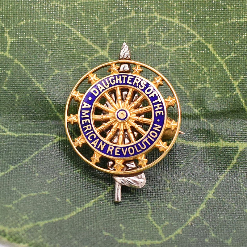 14k Y & W Gold DAR Daughters Of The American Revolution Pin