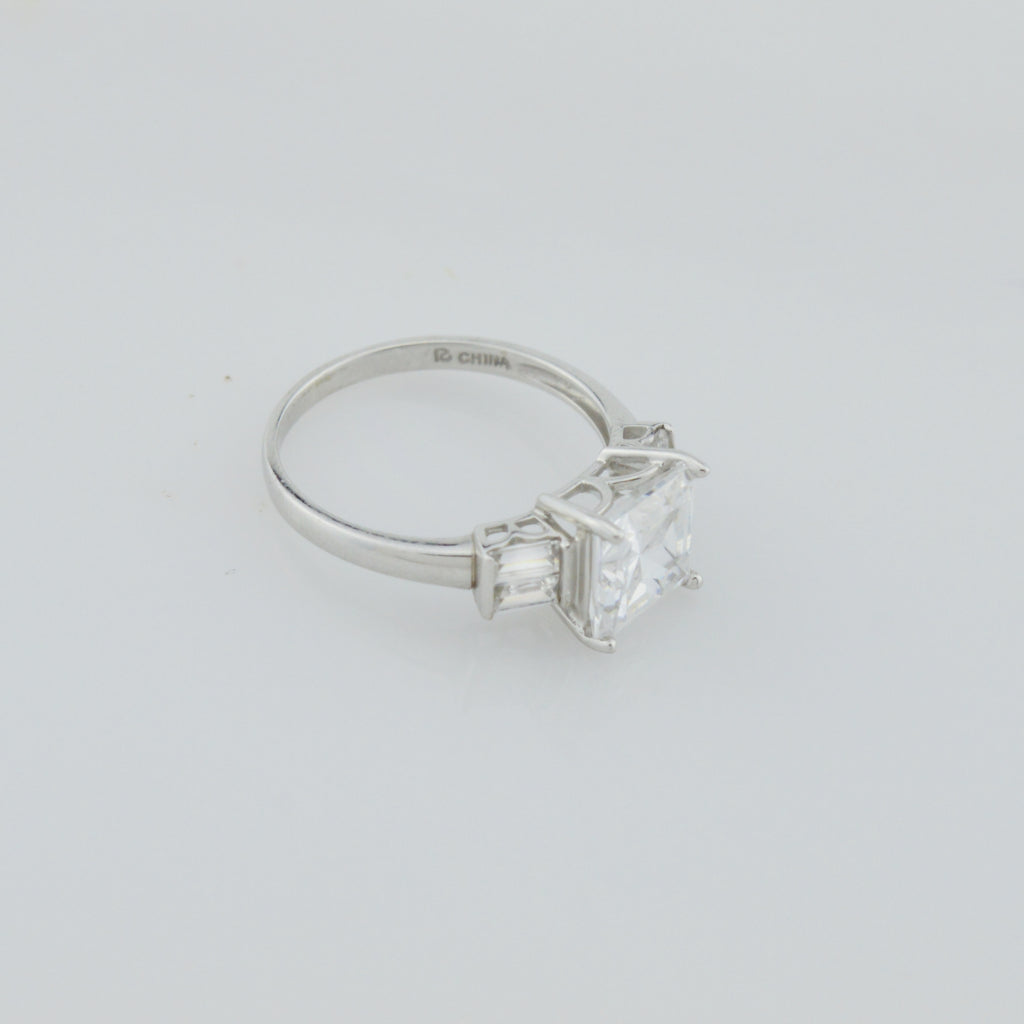 14k White Gold Estate CZ Multistone Ring Size 8