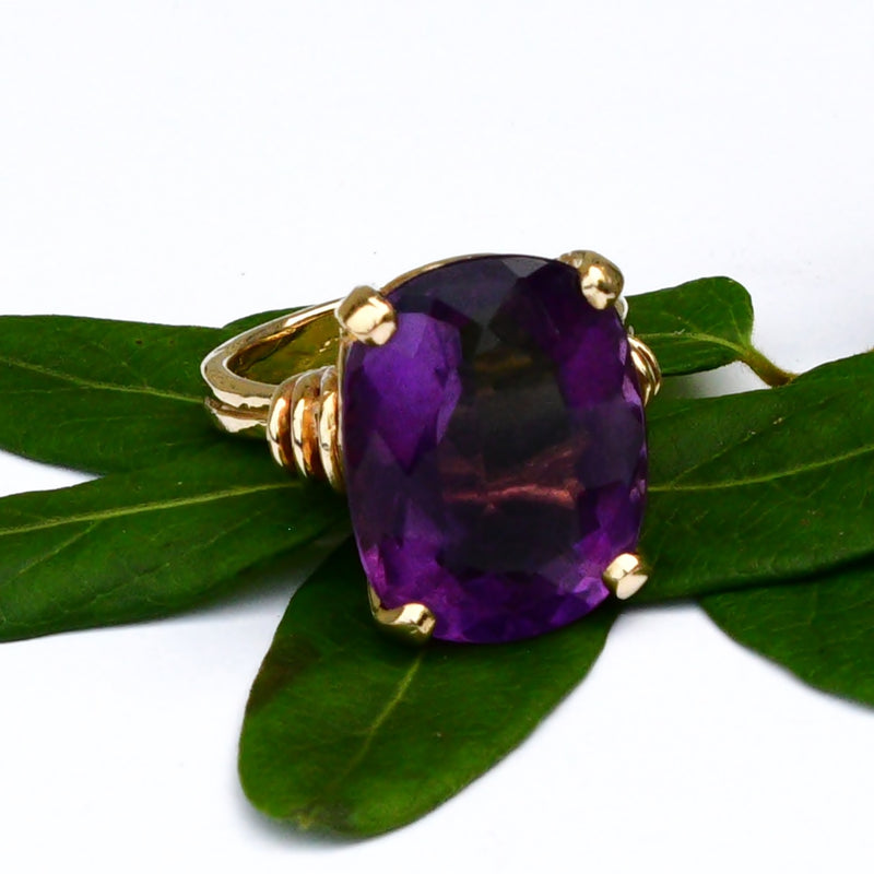 14k Yellow Gold Estate Open Work Large Oval Amethyst Ring Size 9.25