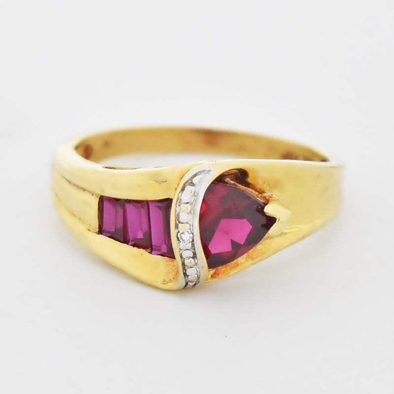 10k Yellow Gold Estate Swirl Ruby & Diamond Ring Size 7.25