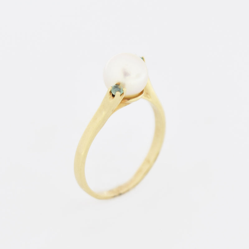 10k Yellow Gold Estate Swirl Pearl & Emerald Ring Size 5.75