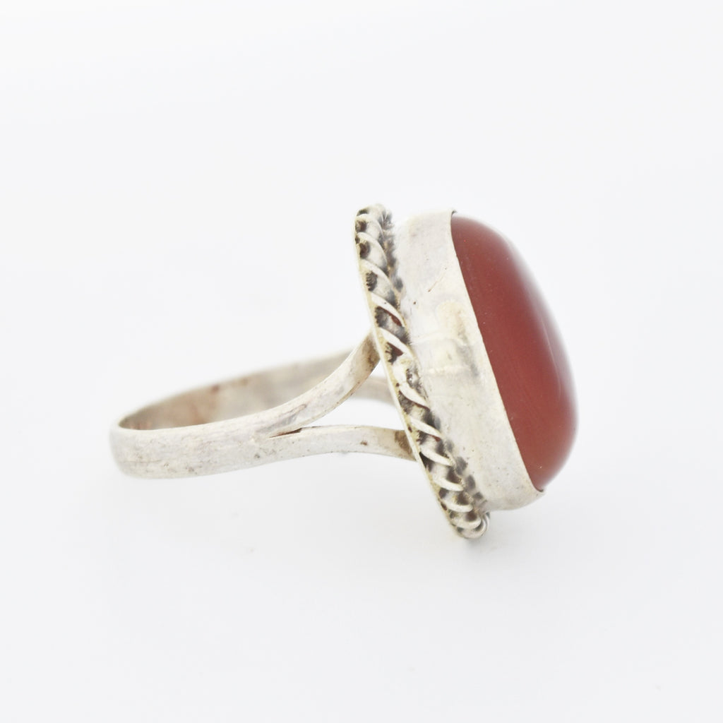 Sterling Silver 925 Oval Cabochon Carnelian Robe Style Ring Size 7.5
