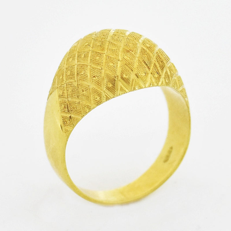 18k Yellow Gold Estate Textured Dome Ring Size 6.75