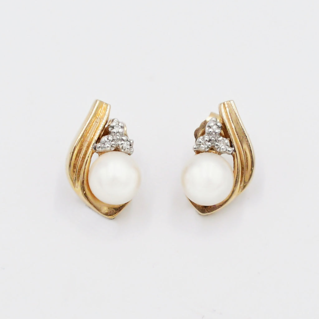 14k Yellow Gold Estate Swirl 6.9 mm Pearl & Diamond Post Earrings